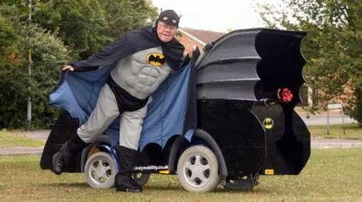 conviertesusilladerueda - Convierte su silla de ruedas en un Batmóvil